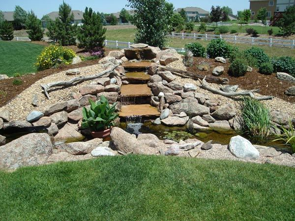 Yard-Elves-Cascading-Flagstone-Water-Feature